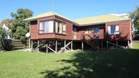 682B Whangaparaoa Road, Stanmore Bay