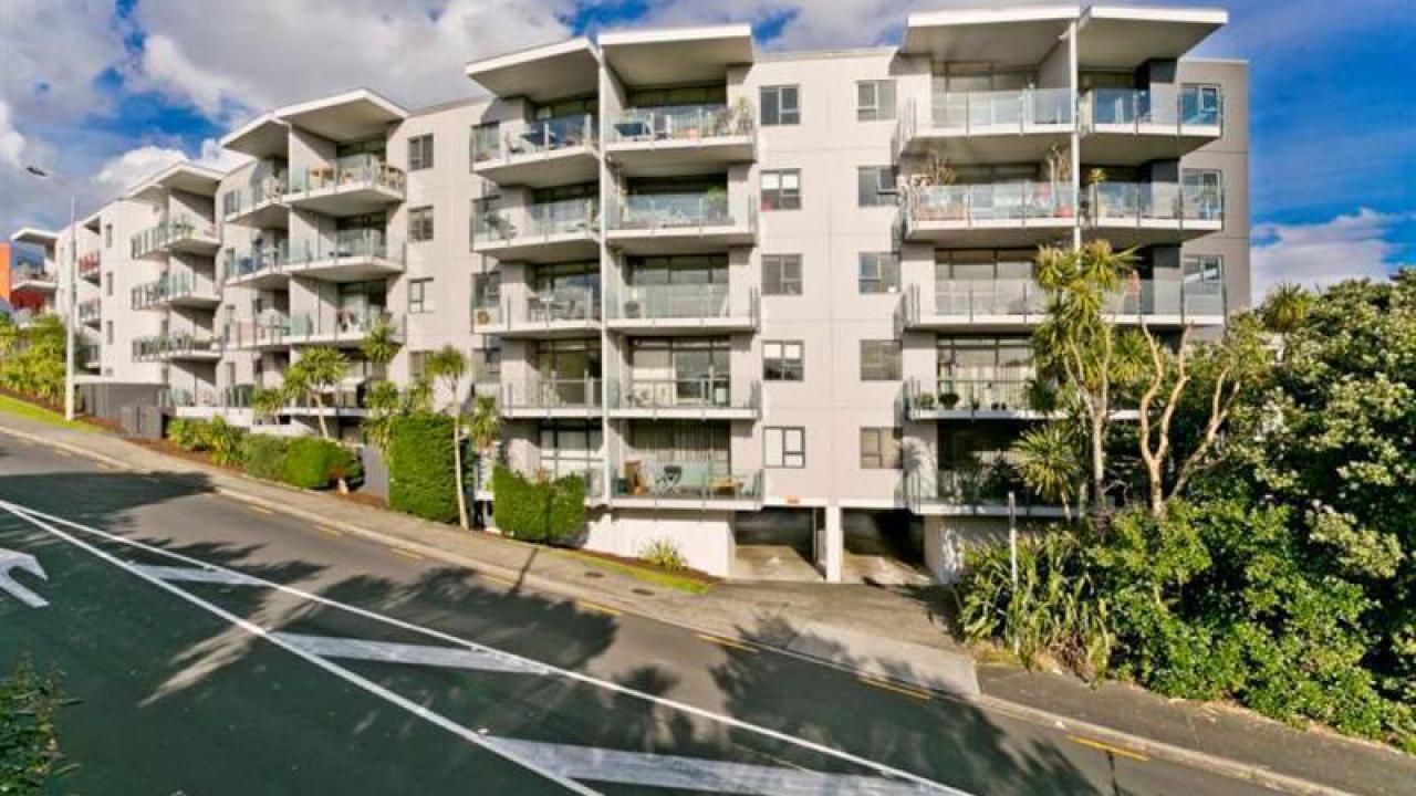 4J/6 Piwakawaka Street, Eden Terrace