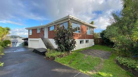96 Sunset Road, Unsworth Heights