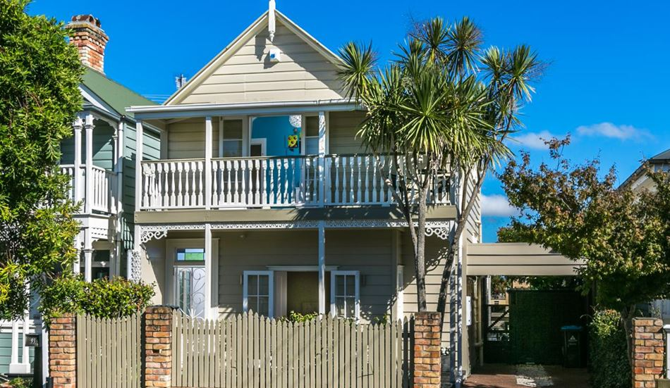 Classic suntrap on the fields 91 john street ponsonby for Classic homes realty