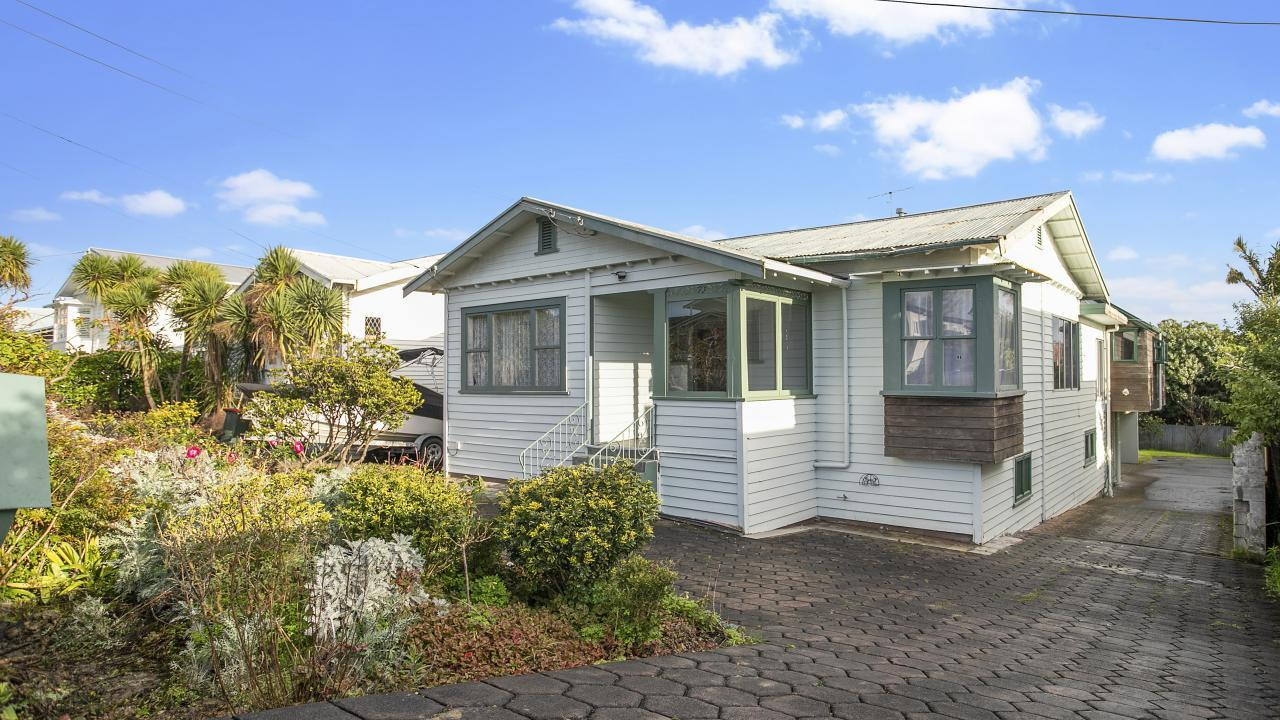 115 West End Road, Westmere