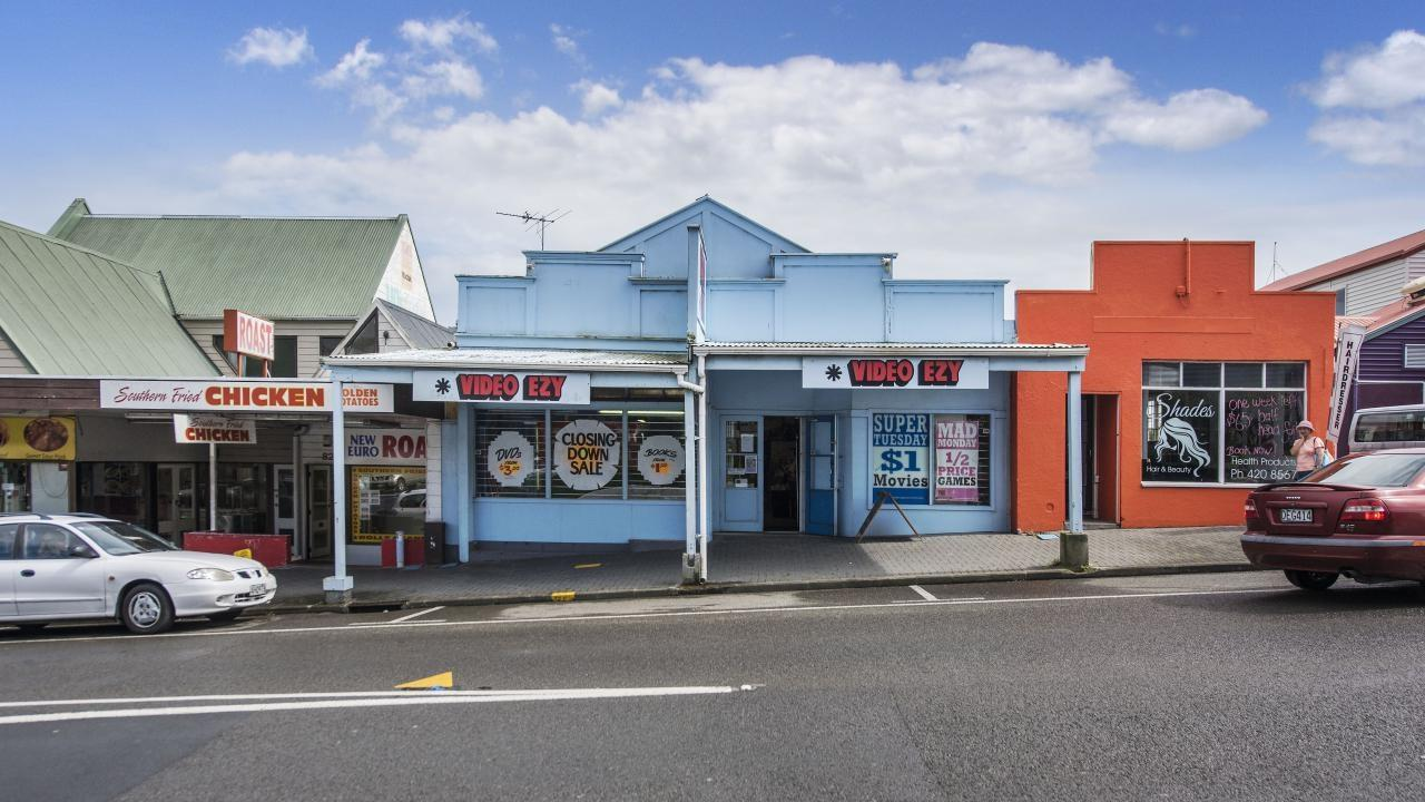 84 Commercial Road, Helensville