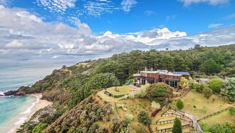 112A and 112B Aotea Road, Great Barrier Island