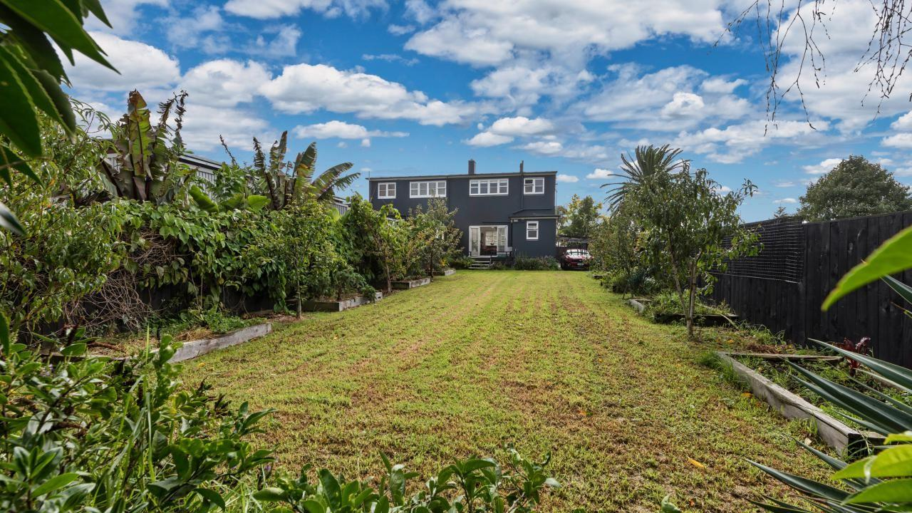 1090 Great North Road, Mt Albert