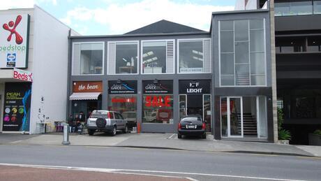44 Broadway, Newmarket