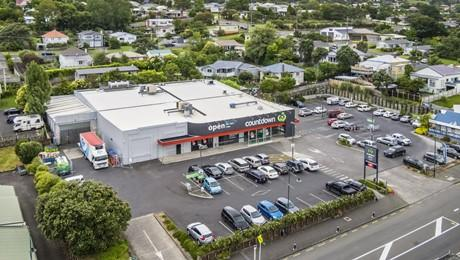 37-43 Commercial Road, Helensville