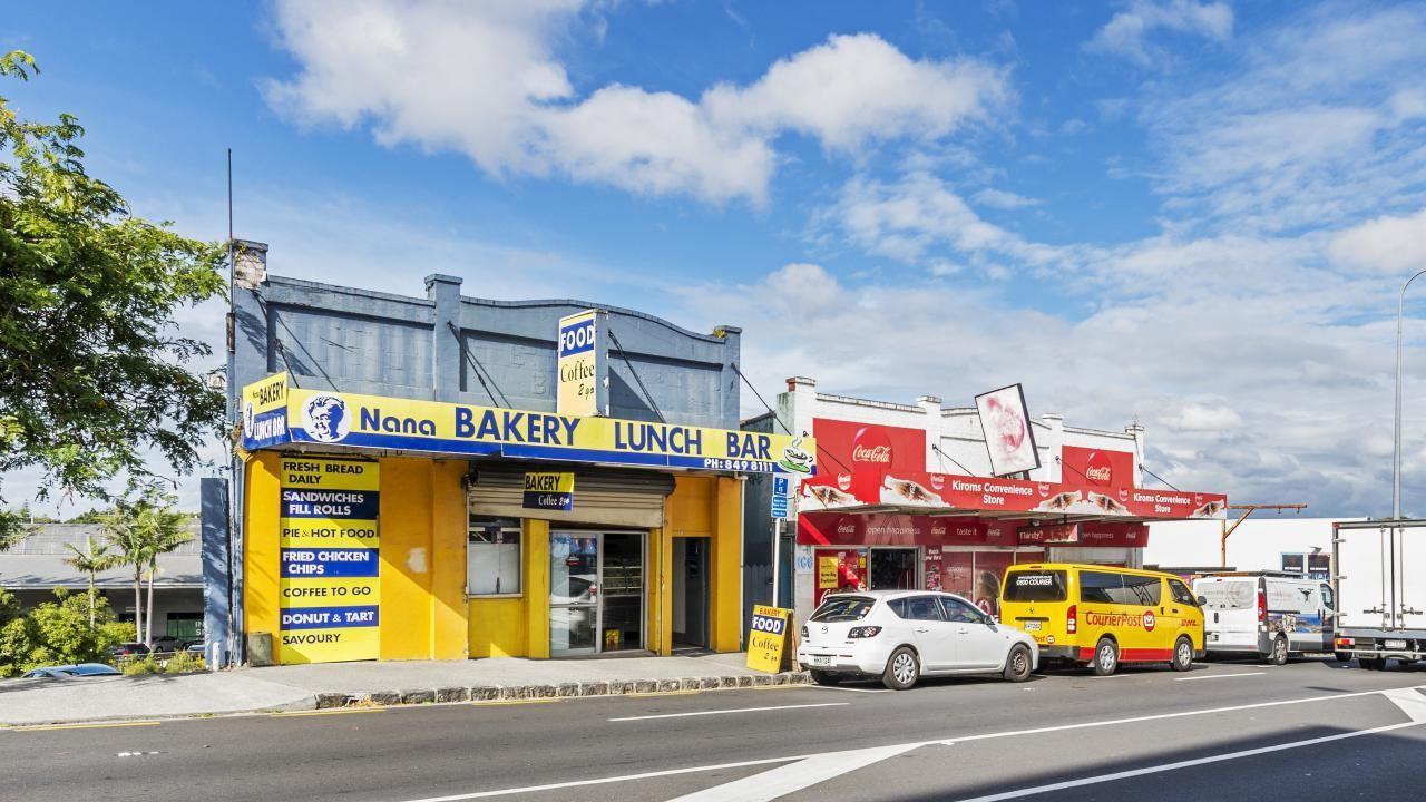 586-592 New North Road, Kingsland