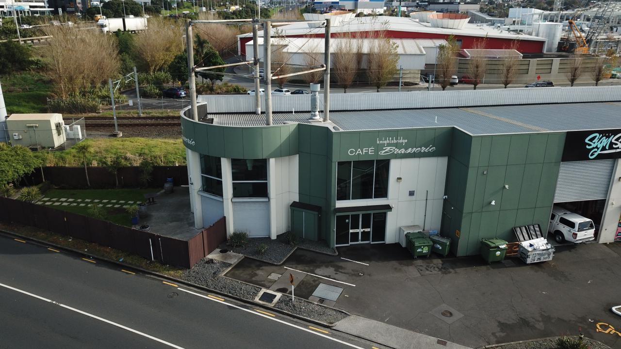 Units 1 and 9/4 Clemow Drive, Mt Wellington