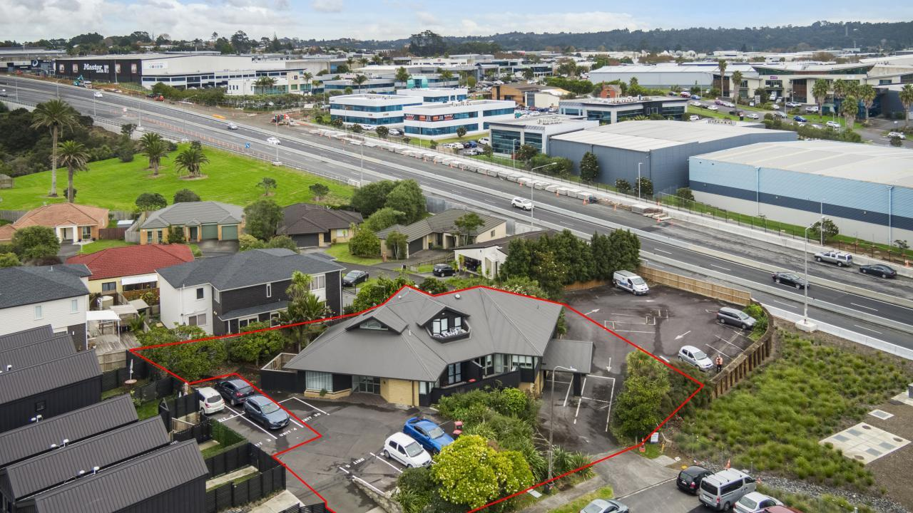 108-112 Unsworth Drive, North Harbour