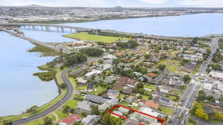 14 Church Road, Mangere Bridge