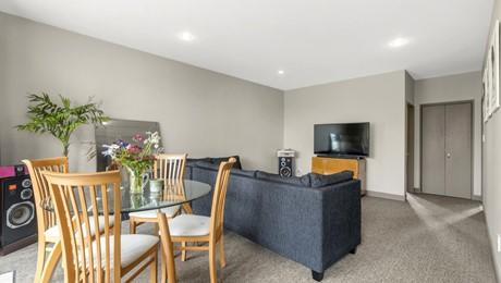 1E/5 Furneaux Way, Remuera