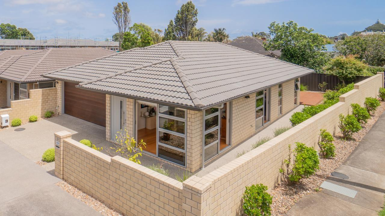 24 Viewland Avenue, Royal Oak