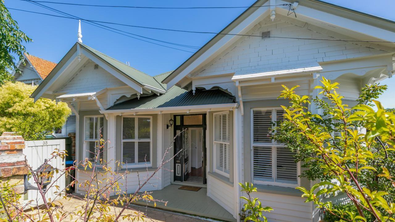 35 and 35A Birdwood Crescent, Parnell
