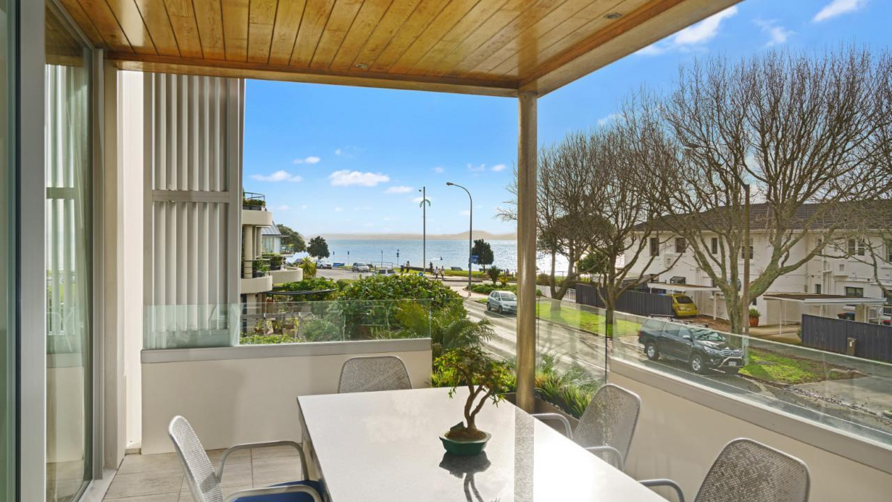 2/15 Vale Road, St Heliers