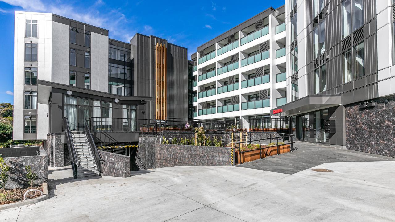 501 Ramada Residences, Newmarket