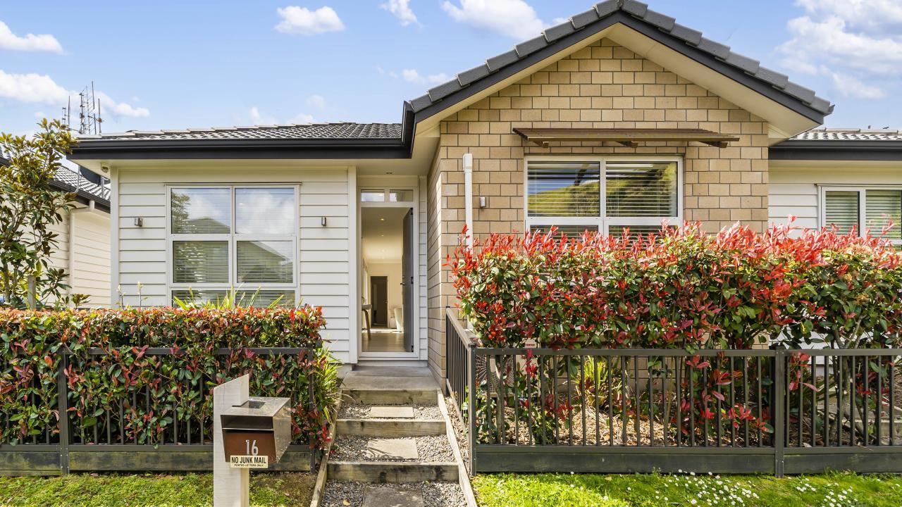 16 Tauoma Crescent, Stonefields