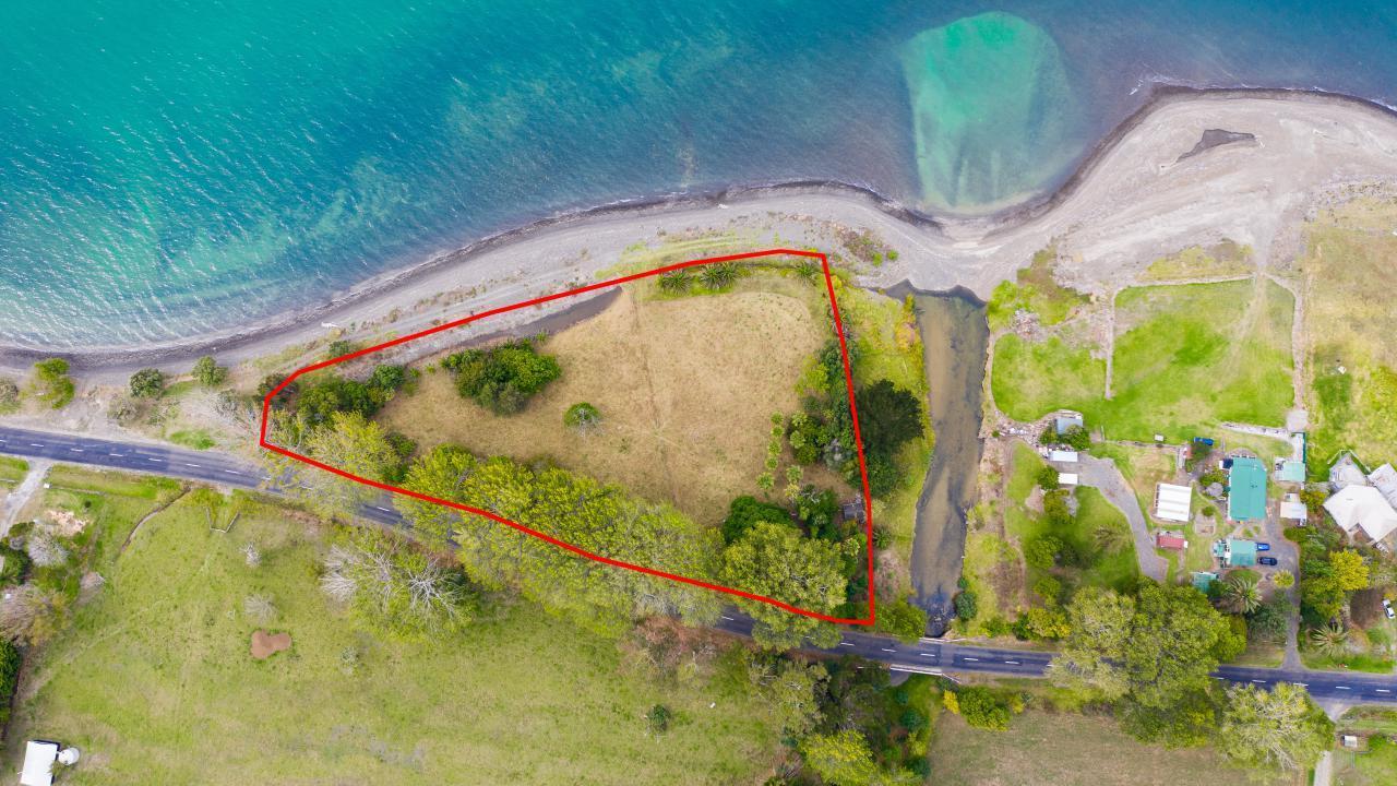 1650 East Coast Road, Whakatiwai