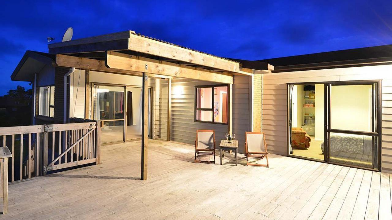 212 Higham Ferrers Place, Red Beach