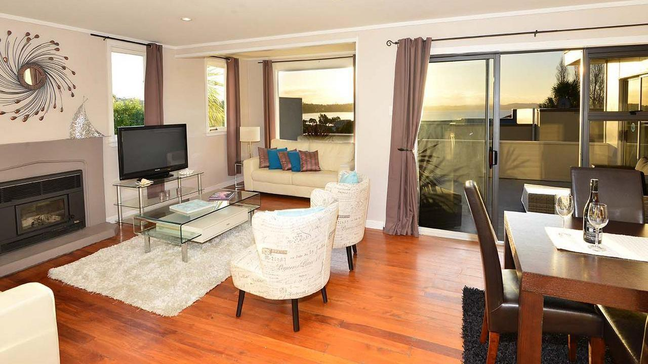 15/2 Beach Road, Manly