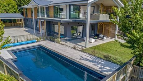 6 Etherege Place, Mellons Bay