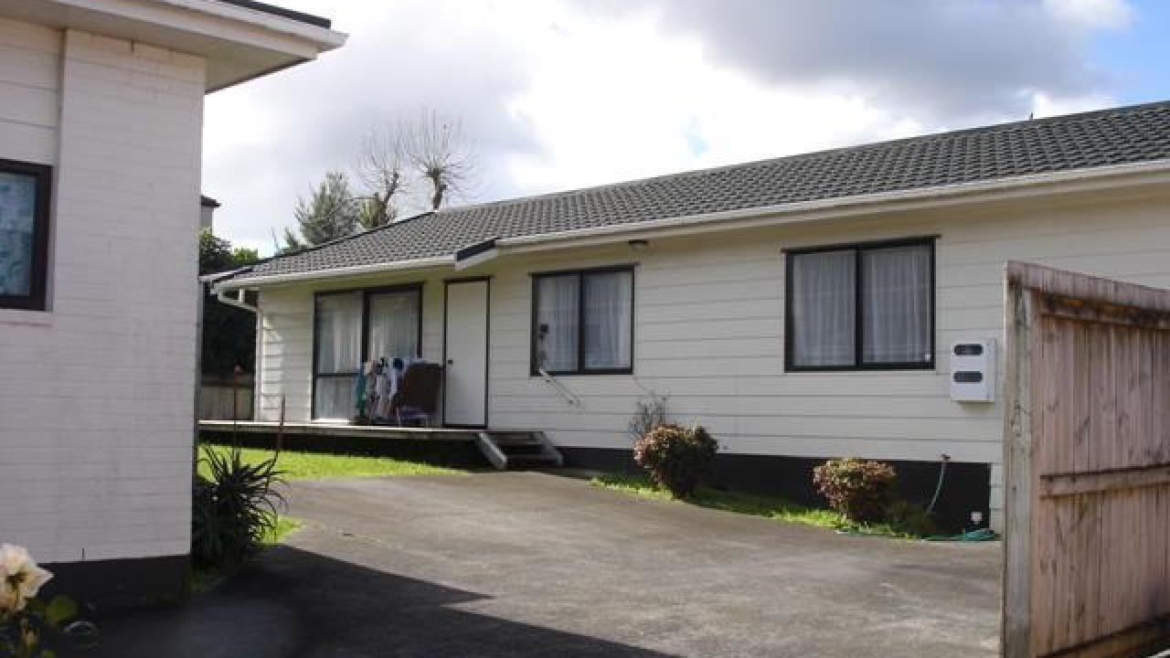 34B Grassways Ave, Manukau Central