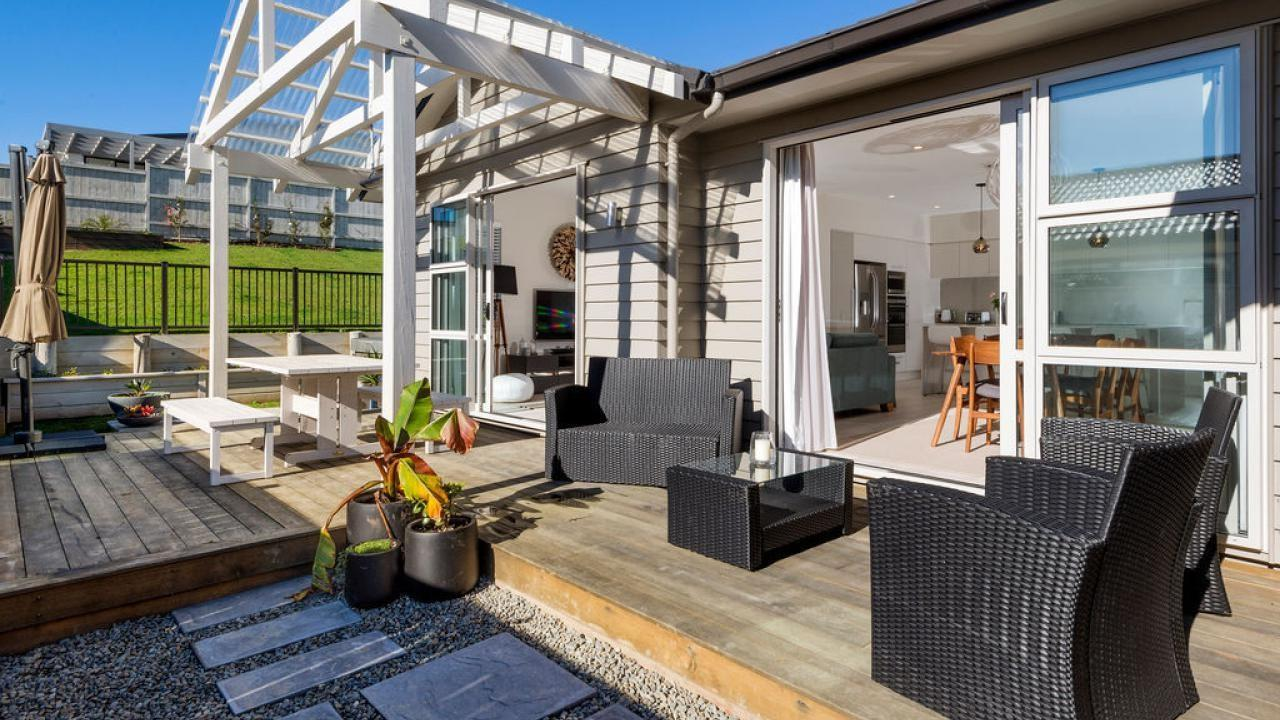 24 Lydiard Place, Beachlands