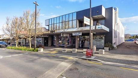 402-404 Great North Road, Henderson
