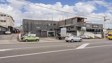 228-230 Marua Road, Mt Wellington