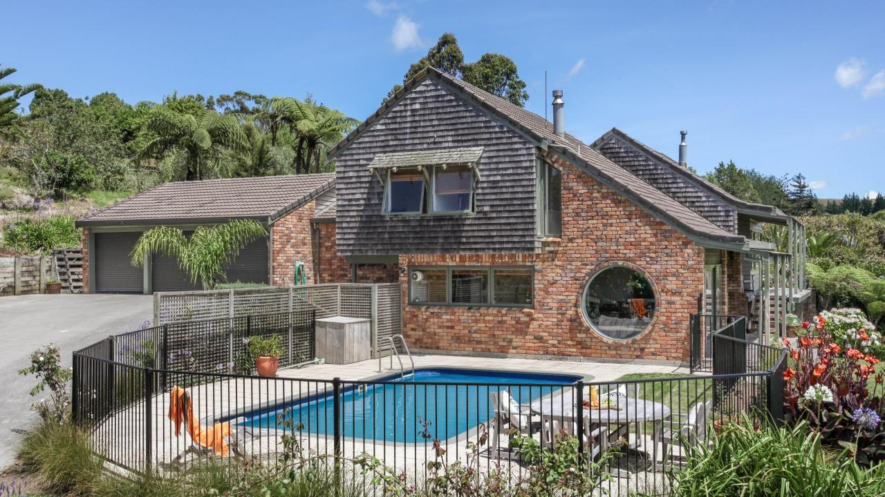 279 Creightons Road, Clevedon