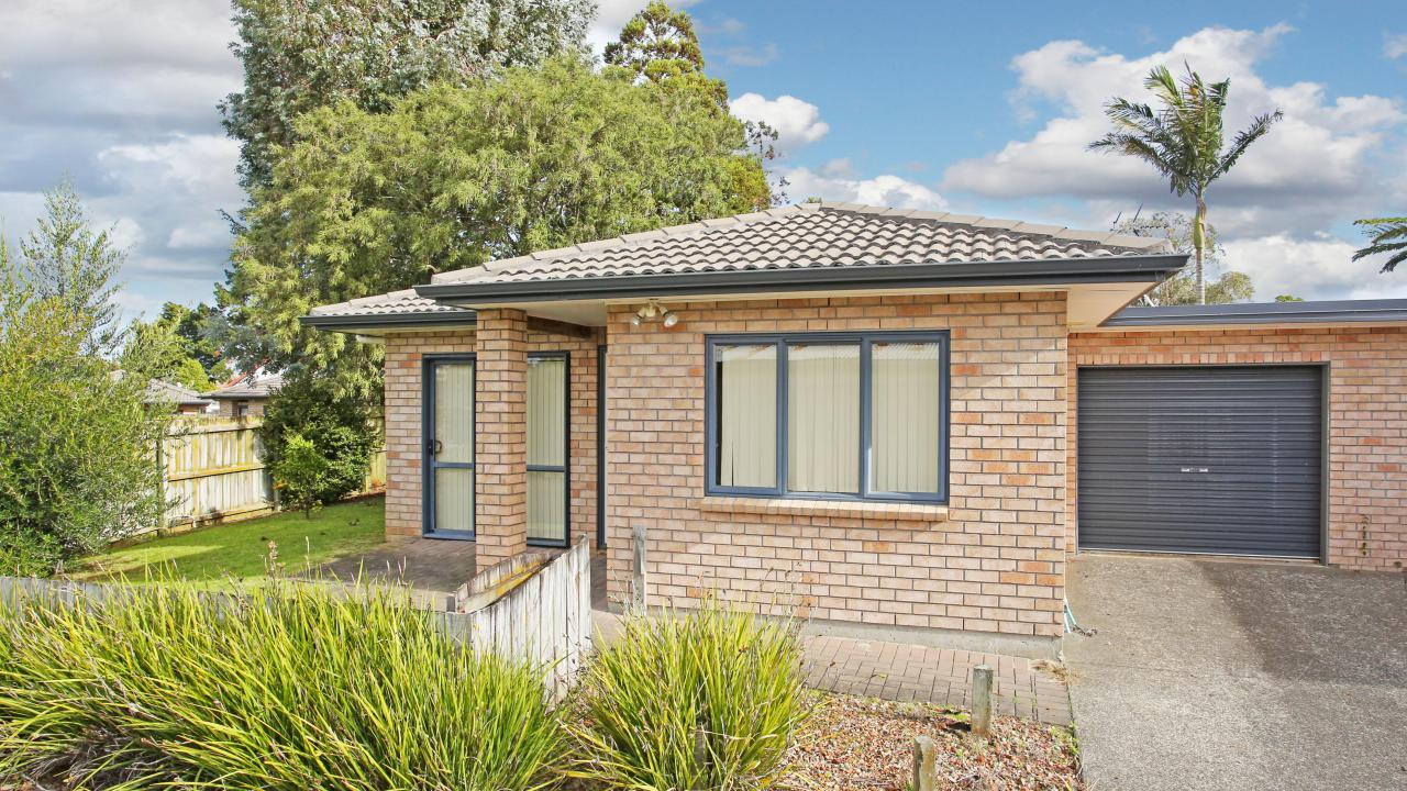 13 Lawford Place, Mangere