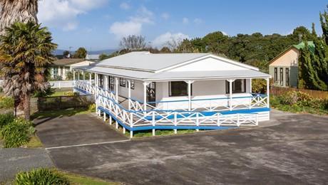1188 East Coast Road, Whakatiwai