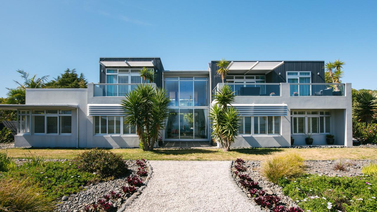Waiheke island luxury real estate for sale christie 39 s for Luxury homes for sale new zealand