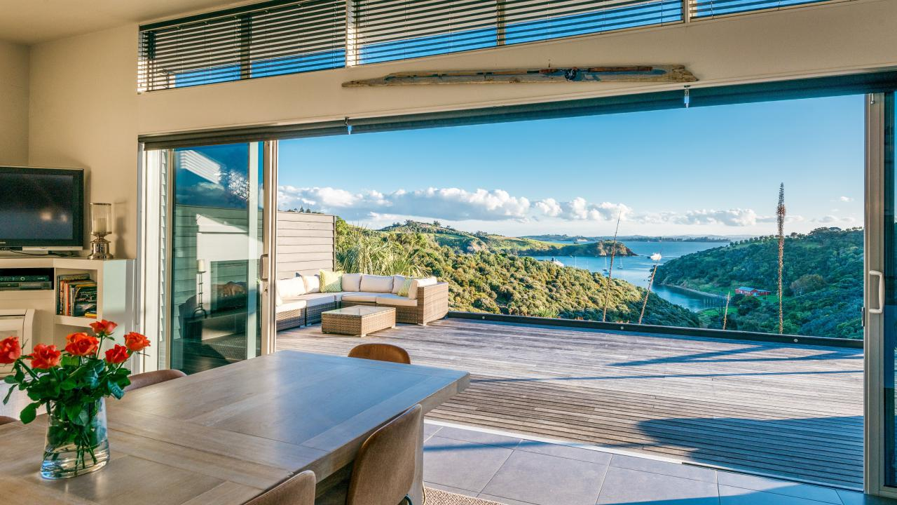 Auckland luxury real estate for sale christie 39 s for Luxury homes for sale new zealand