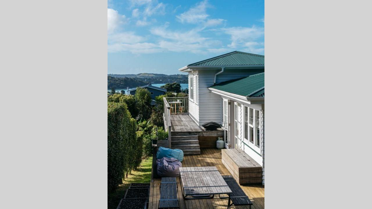 8 Church Bay Road, Oneroa
