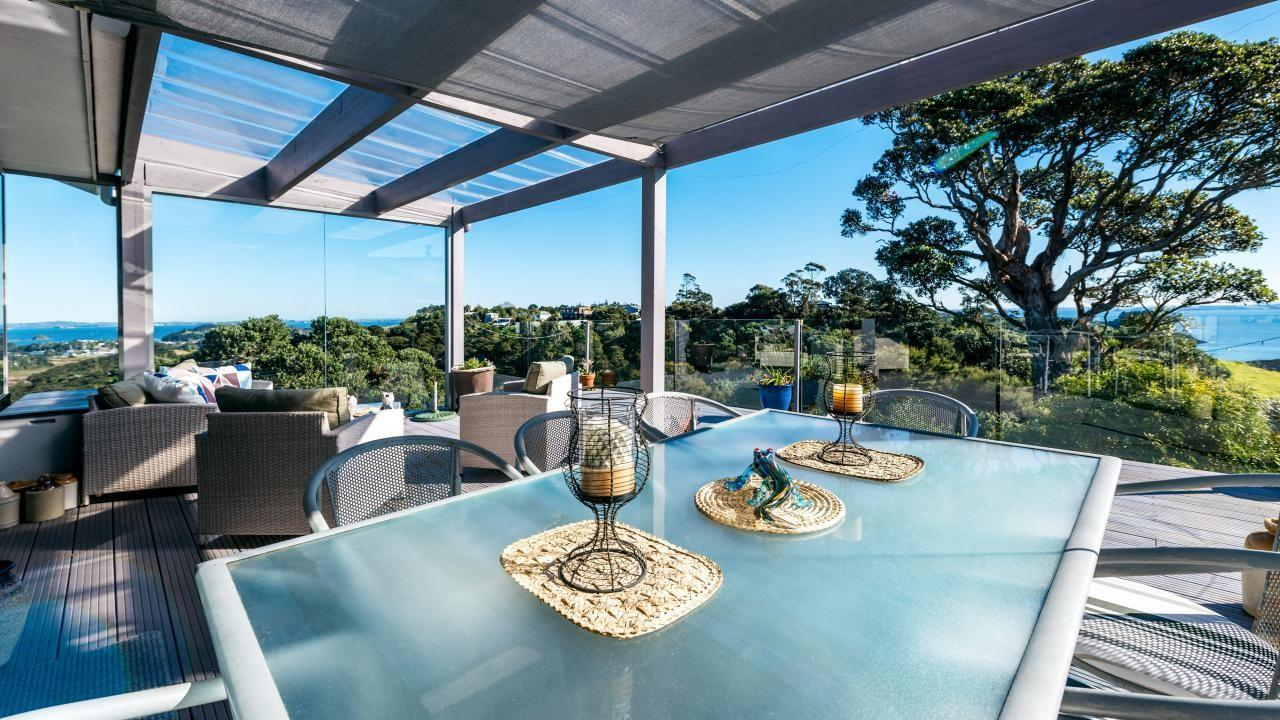 73 Crescent Road East, Palm Beach