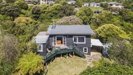 15 Beatty Parade, Surfdale