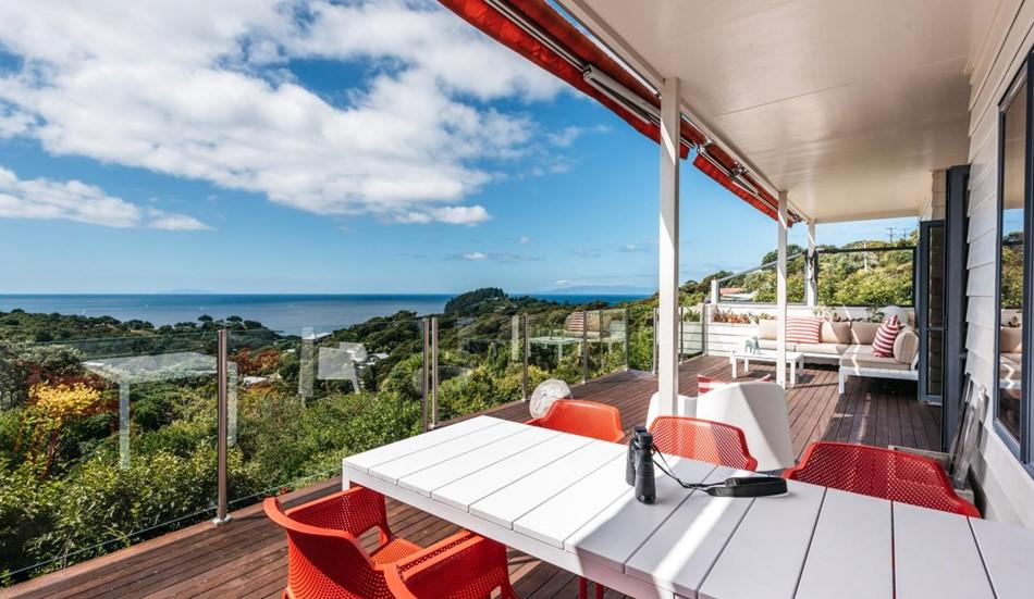 Huge Hauraki views - Vendor says sell! - 25 Coromandel Road