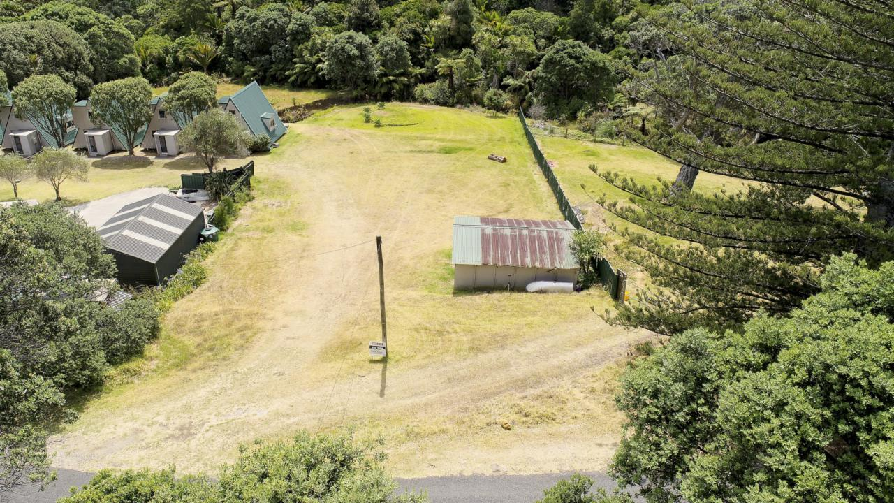 11 Mulberry Grove, Great Barrier Island (Tryphena)