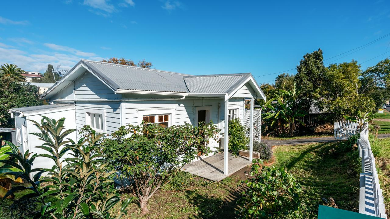 24 Hamilton Road, Surfdale