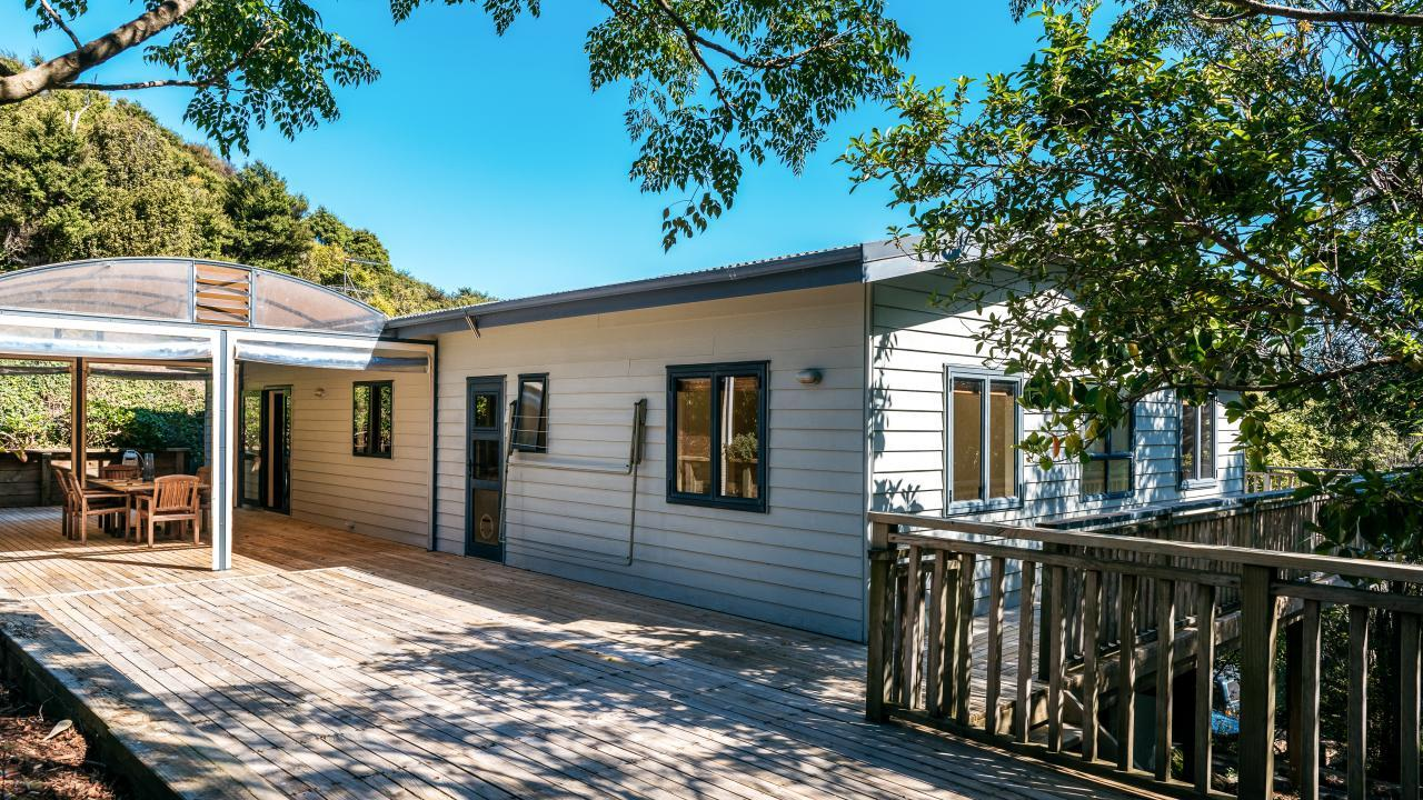 47 Crescent Road East, Ostend