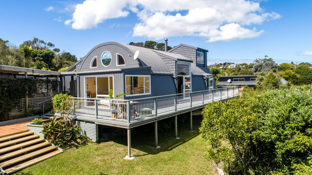 28 Beatty Parade, Surfdale