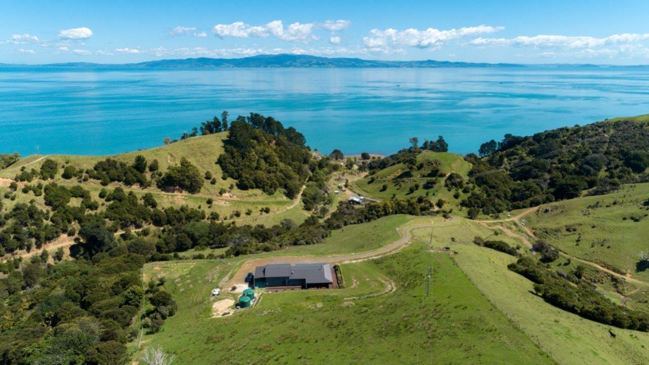 984 Thames Coast Road, Waikawau