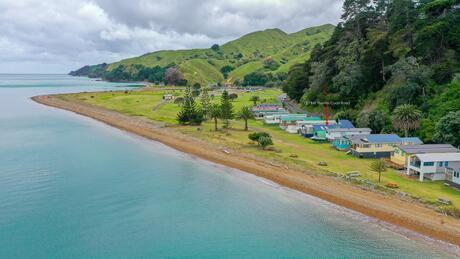 949 Thames Coast Road, Waikawau