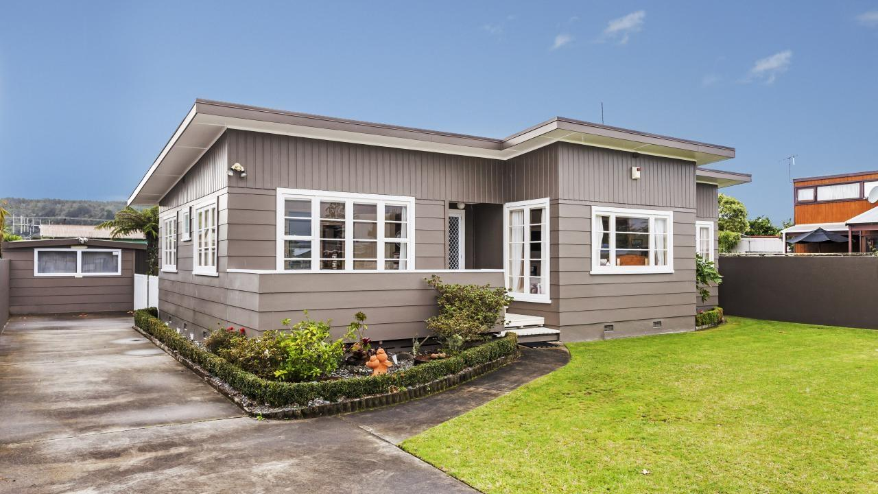 Classic gem in the heart of whangamata 216 casement rd for Classic homes realty