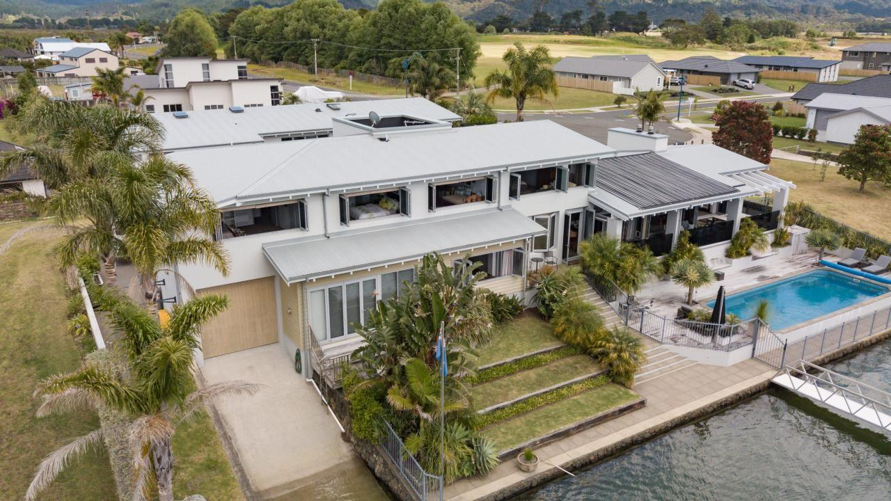 139 South Highway West, Whitianga
