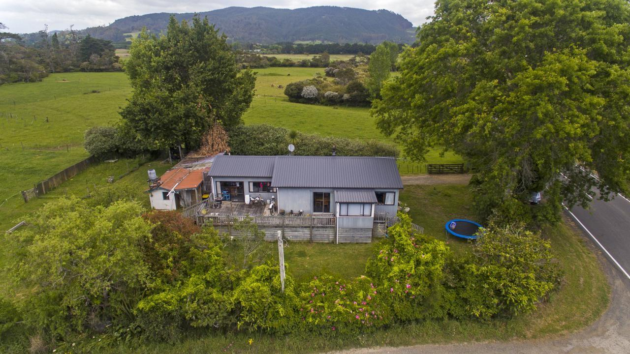 68 Hot Water Beach Road, Whenuakite