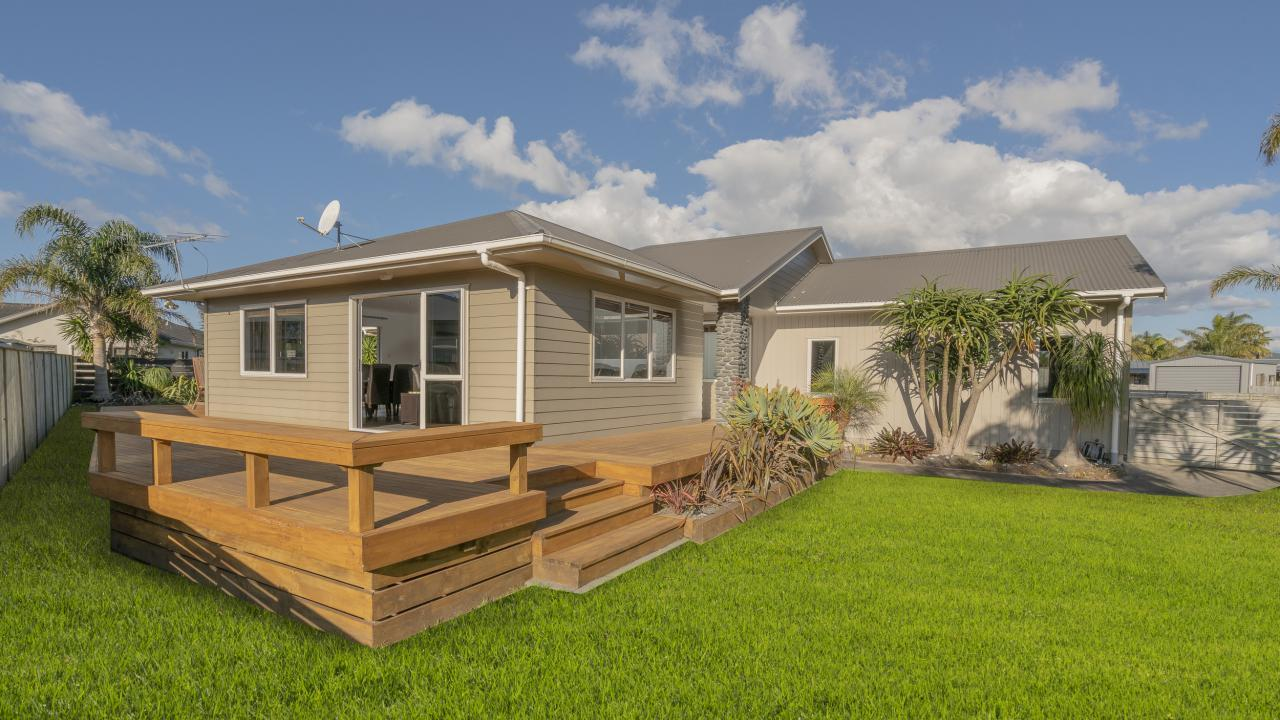 14 Captain Wood Ave, Whitianga