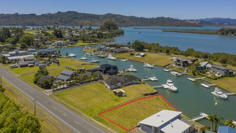 161 South Highway West, Whitianga