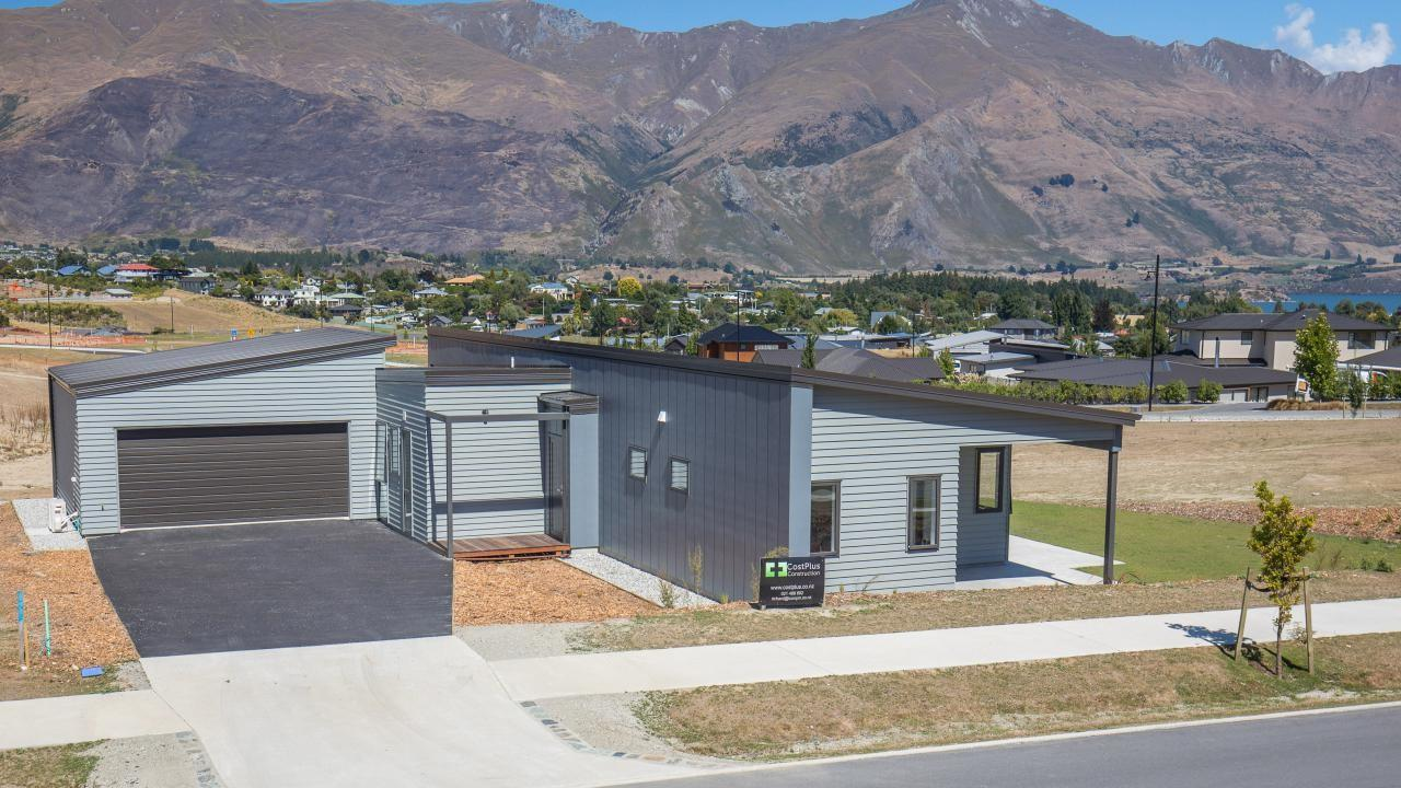 2 Barclay Place, Wanaka