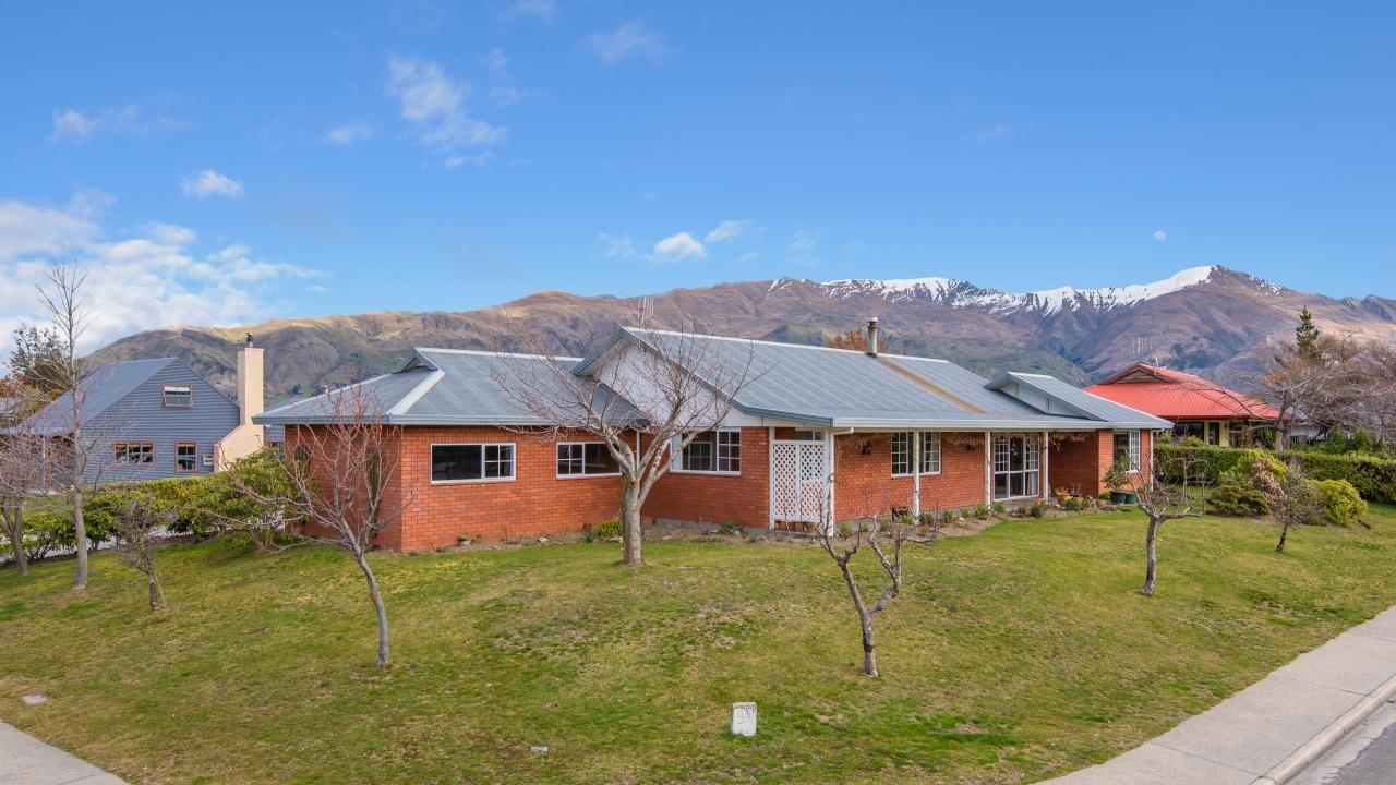 43 Mount Iron Drive, Wanaka